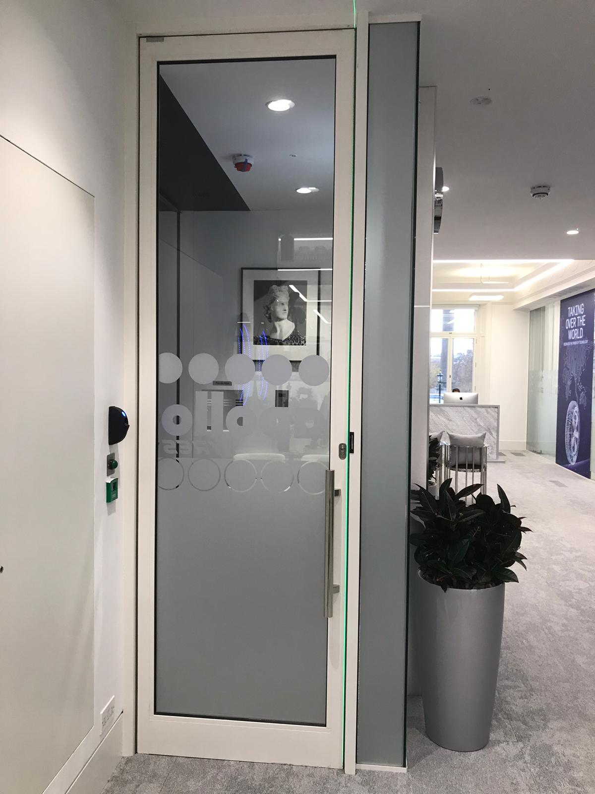 8 Waterloo Place (London) – Glass Walls and Doors
